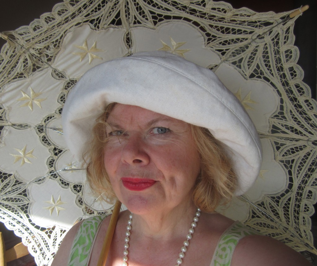 jamiecat callan with hat