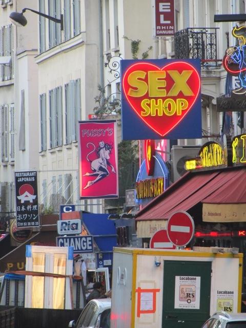 Blvd de Clichy 3.00.45 AM